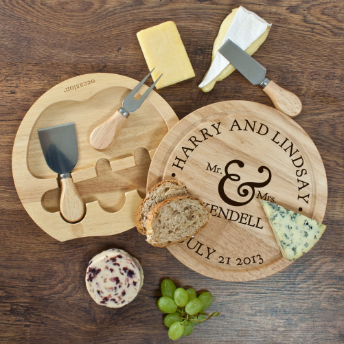 Personalised-Mr-and-Mrs-Classic-Cheese-Board-Set